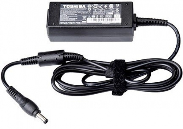 TOSHIBA Ac Adapter (45w / 3pin / 19v / 2.37a) PA5192A-1AC3