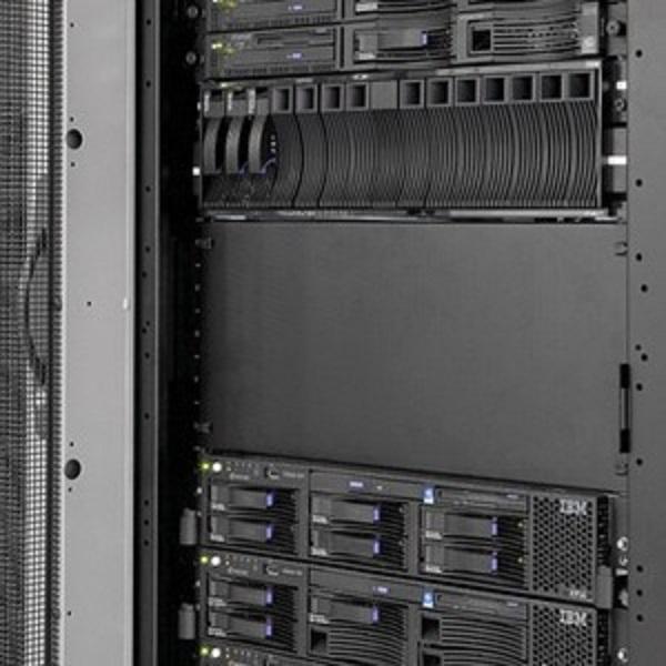 Eaton Blank Panel Tool-free 8ru 10pk PBP8U10