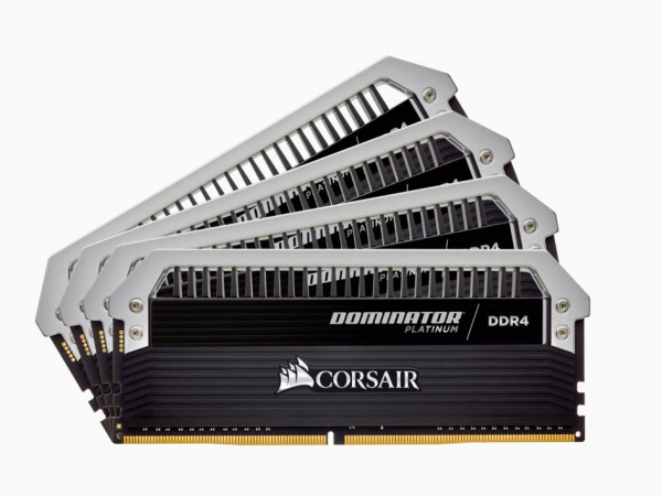 Corsair Dominator Platinum 32gb 4x8gb Ddr4 3000mhz C15 Desktop Gaming M CMD32GX4M4C3000C15